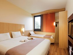 Pets-friendly hotels in Giungamp