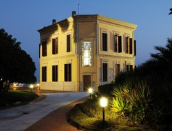 Alghero hotels with restaurants