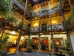 Quito hotels with restaurants