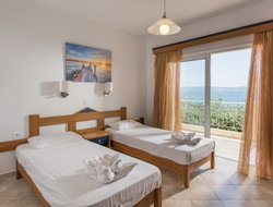 Kissamos hotels with swimming pool