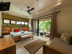 Praslin Island hotels with swimming pool