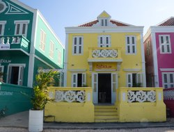 Top-4 romantic Willemstad hotels