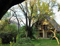 Zimbabwe hotels with river view