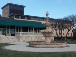 Top-7 hotels in the center of Oak Brook