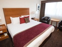 Aberdeen hotels with restaurants