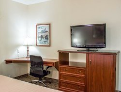 Pets-friendly hotels in Goldsboro