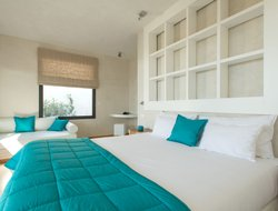 Top-6 romantic Bonifacio hotels