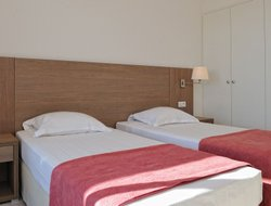 Figari hotels with swimming pool