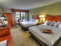 Pigeon Forge hotels with swimming pool
