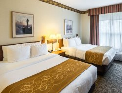 Duluth hotels with restaurants