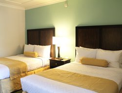 Business hotels in Lake Forest