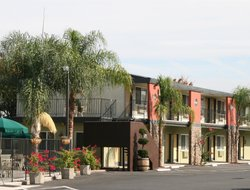 Lodi hotels with restaurants