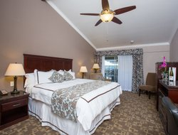 Solvang hotels with swimming pool