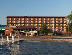 Lake Geneva hotels with lake view