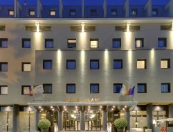 Milan hotels with sea view