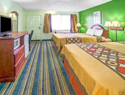 Yreka hotels for families with children