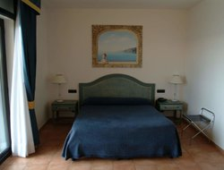 Battipaglia hotels with swimming pool