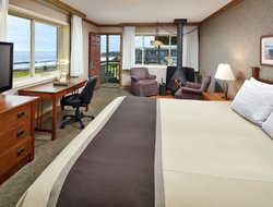San Simeon hotels with restaurants