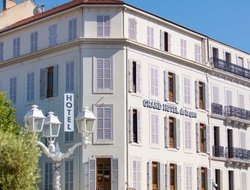 Toulon hotels with restaurants