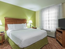 Springfield hotels for families with children