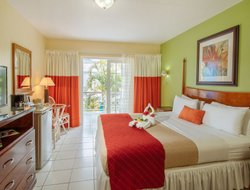 Rodney Bay hotels with swimming pool