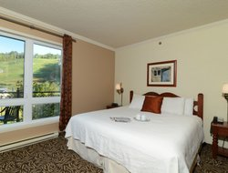 Mont Tremblant hotels with restaurants