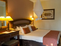 Zimbabwe hotels for families with children