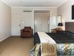 Paihia hotels with swimming pool