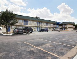 Fort Stockton hotels with swimming pool