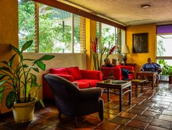 San Salvador hotels with swimming pool