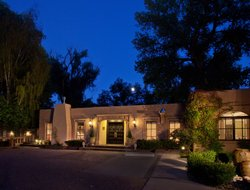 Pets-friendly hotels in Taos