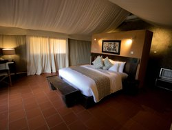 Ghana hotels with restaurants