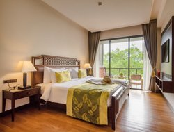 Chanthaburi City hotels with swimming pool