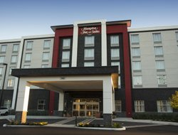 Thunder Bay hotels with swimming pool