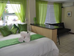 Brackenfell hotels with restaurants
