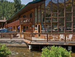 Estes Park hotels with river view