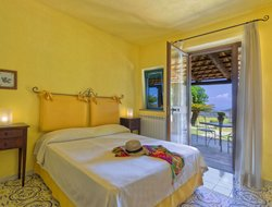 Top-10 romantic Ischia Island hotels