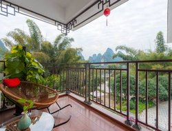 Yangshuo hotels with lake view