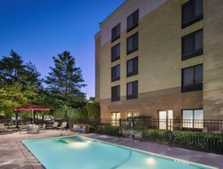 Top-10 hotels in the center of Addison