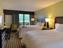 Fort Walton Beach hotels with restaurants