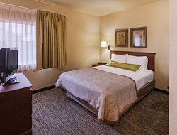 Pets-friendly hotels in Broken Arrow