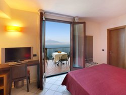 Top-4 romantic Vico Equense hotels