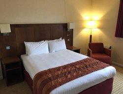 Northampton hotels with restaurants