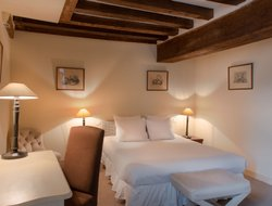 Beaugency hotels with restaurants