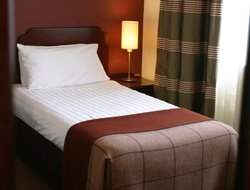 Strathpeffer hotels with restaurants