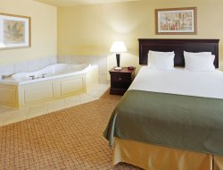 Bossier City hotels with restaurants