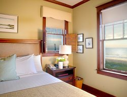 Pets-friendly hotels in Fernandina Beach