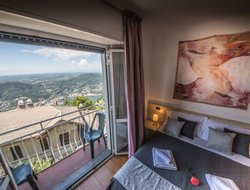 Brunate hotels with lake view