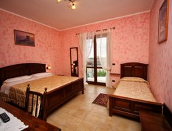 Pets-friendly hotels in Valderice