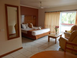 Sigatoka hotels with swimming pool